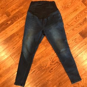 Comfy full panel maternity jeans